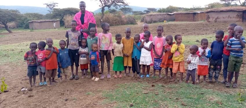 Maasai Children Kenya with Mumzy